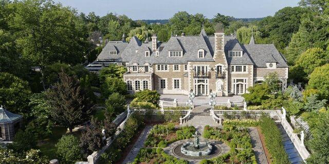 File:RealWorld Long Island Mansion.jpg