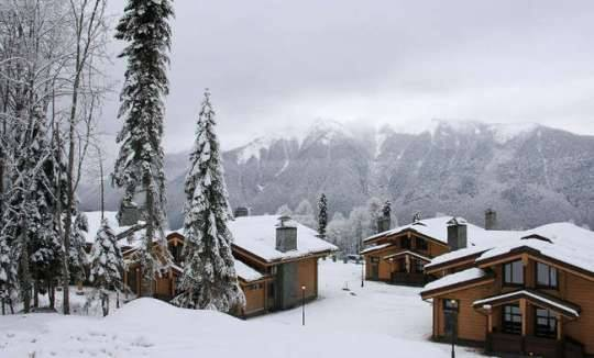 File:RealWorld Winter Games Village - Cottage Community.jpg