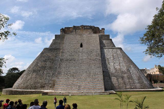 File:RealWorld Golden Pyramid.jpg