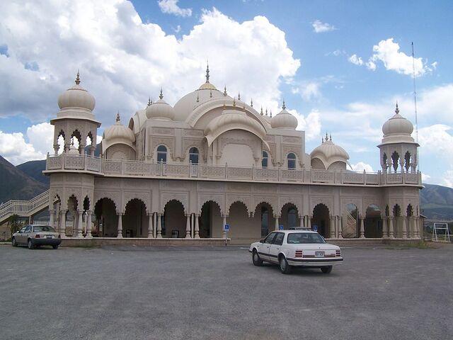 File:RealWorld Sri Radha Krishna Temple.jpg