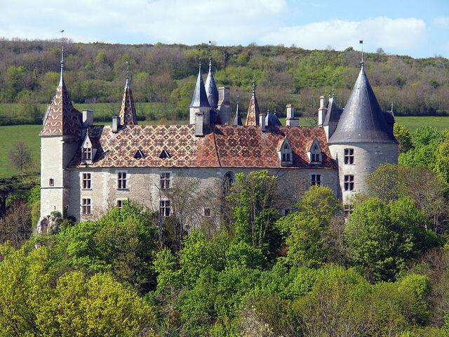 File:RealWorld Rochepot Castle.jpg