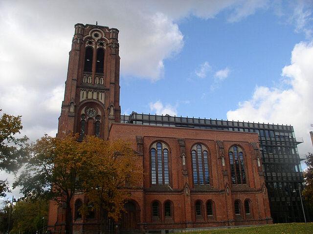 File:800px-Auferstehungskirche Berlin 02.jpg