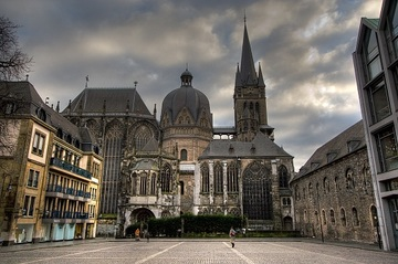 File:Aachen Cathedral.jpg