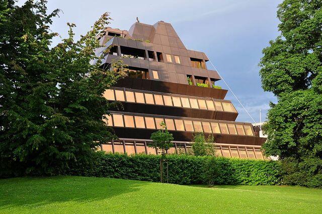 File:RealWorld Ferrohaus Apartments.jpg