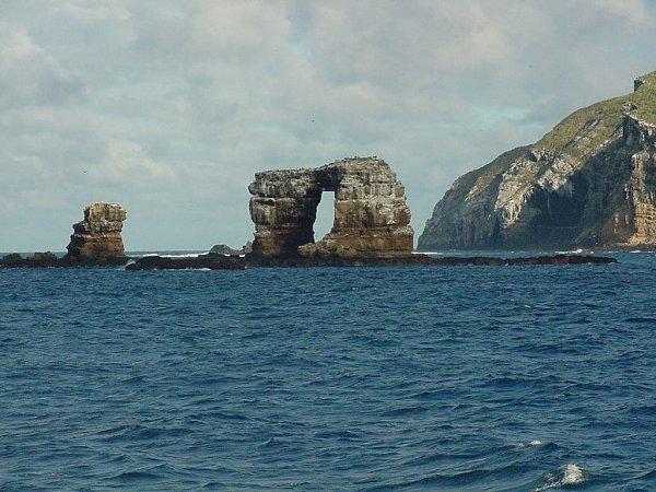 File:Darwin's Arch.jpg