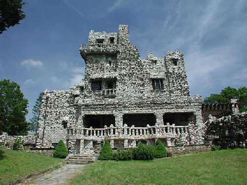 File:RealWorld Abandoned Manor.jpg