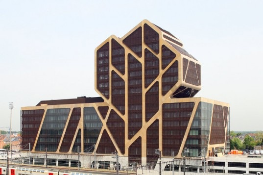 File:RealWorld Hasselt Court of Justice.jpg