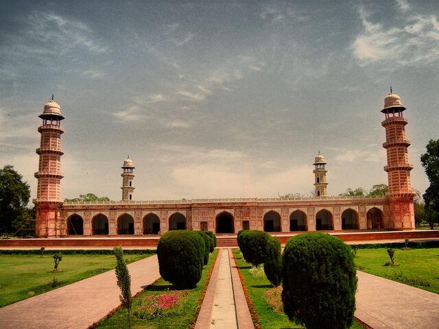 File:IMG-Tomb-of-Jahangir-9-1.jpg