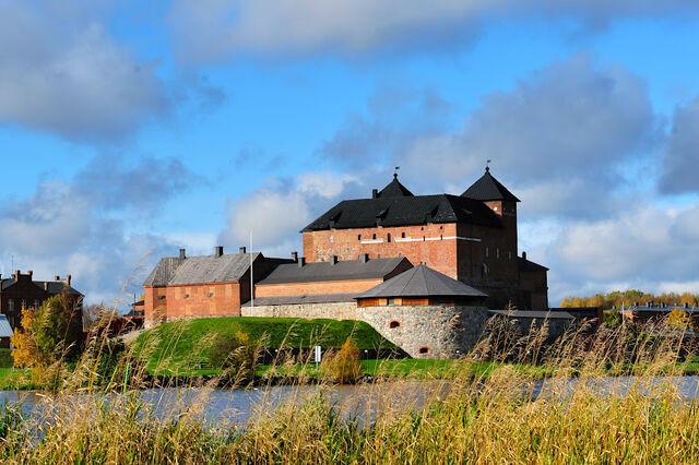 File:RealWorld Hame Castle.jpg