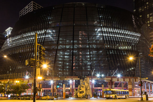 File:RealWorld James Thompson Center (Night).jpg