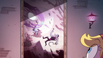 S2E23 Star Butterfly looks at Moon's tapestry again