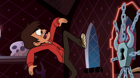S2E19 Marco Diaz about to kick the carriage door
