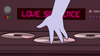 S2E19 Tom playing a Love Sentence CD