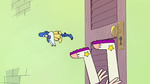 S2E1 Star Butterfly falls to the floor