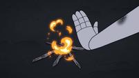 S3E1 Queen Moon tries to light a fire