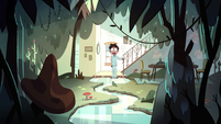 S1E14 Marco finds the living room a jungle