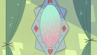 S2E33 Star's interdimensional mirror cracks
