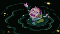 S3E7 Star Butterfly waving to her mother
