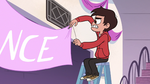 S2E27 Marco gets his hand caught in twine