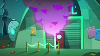 S2E33 Neon smoke pours out of the Null club