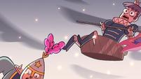 S2E15 Heartrude falls off royal guard's shoulders