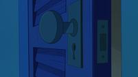S2E1 Star's magic closet finally opens