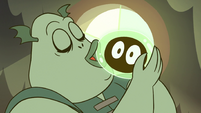 S2E12 Buff Frog kissing one of his tadpoles