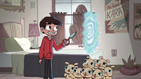 S2E31 Marco Diaz opening a dimensional portal