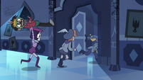 S3E6 Marco and performers escape the royal bedroom