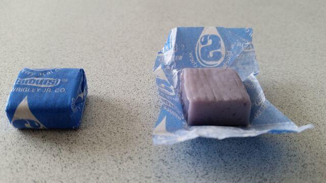 File:Blueberry açai chews.jpg