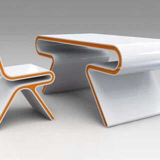 Basic desk and chair