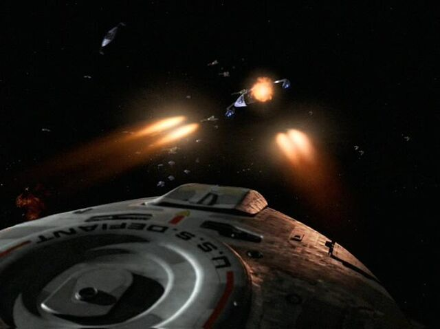 File:Defiant Battle of Cardassia.jpg