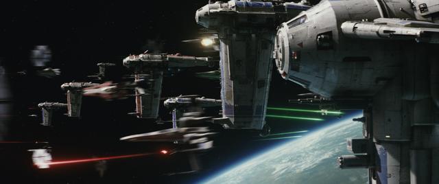 File:The Last Jedi Space Battle.png