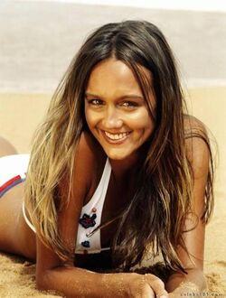 Sharni vinson photo 9
