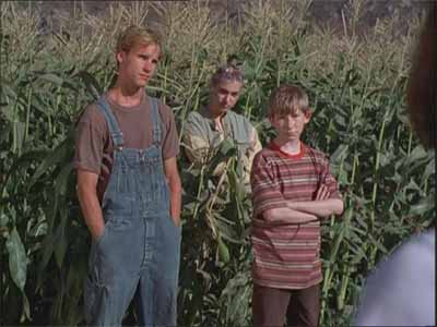 File:Children-of-the-corn-5-fields-of-terror-kids.jpg