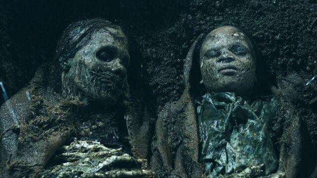 File:2 corpses.jpg