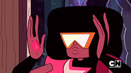 Garnet equipping her goggles