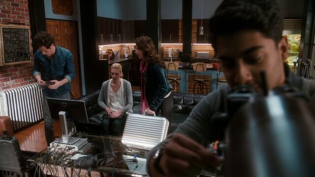 File:Stitchers1.04-173.jpg