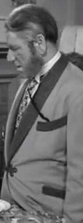 Shemp as Pop Howard