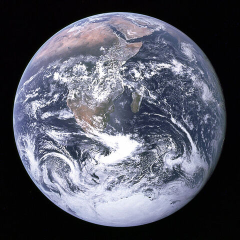 File:The Earth seen from Apollo 17.jpg