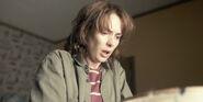 Stranger Things 1x02 – Joyce in Will's Room