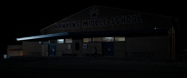 File:Stranger Things 1x08 Hawkins Middle School.jpg