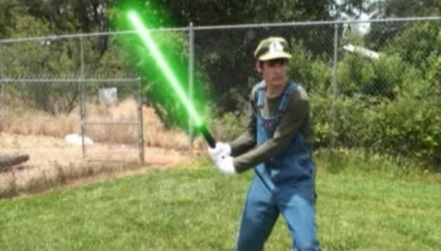File:Luigi's Lightsaber.jpg