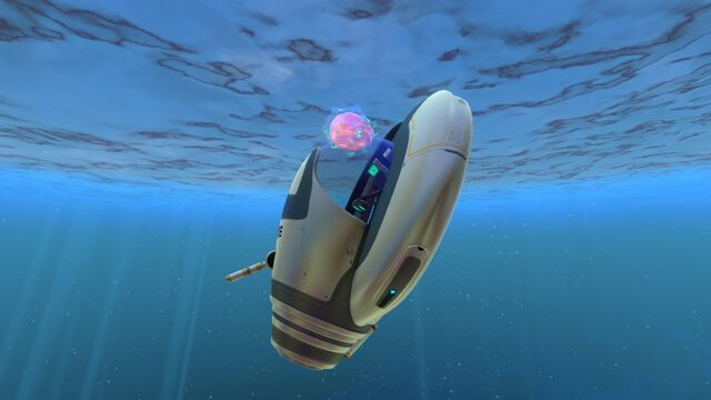 File:One floater lifting the Seamoth.jpg