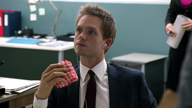 File:S01E05P003 Mike.png