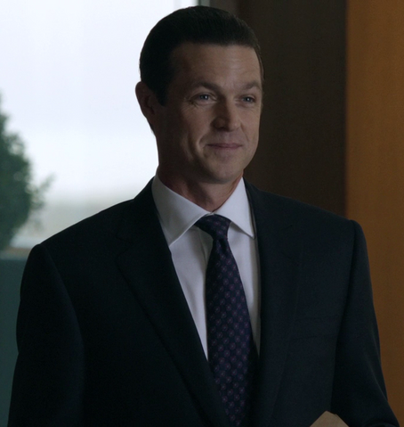 File:Travis Tanner (2x04).png