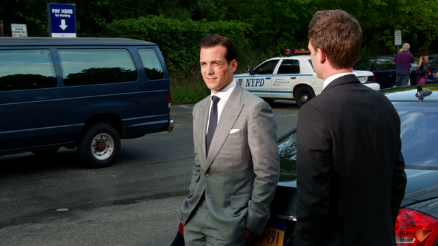 File:Harvey & Mike (1x12).png