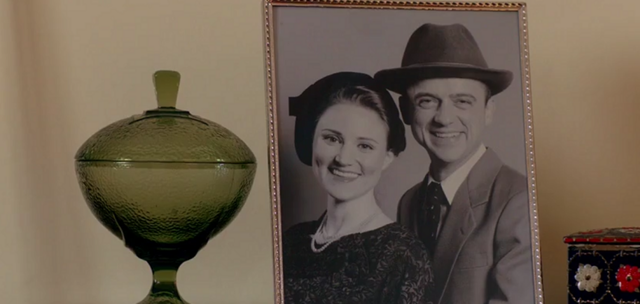 File:Larry with his wife, young, 1.png