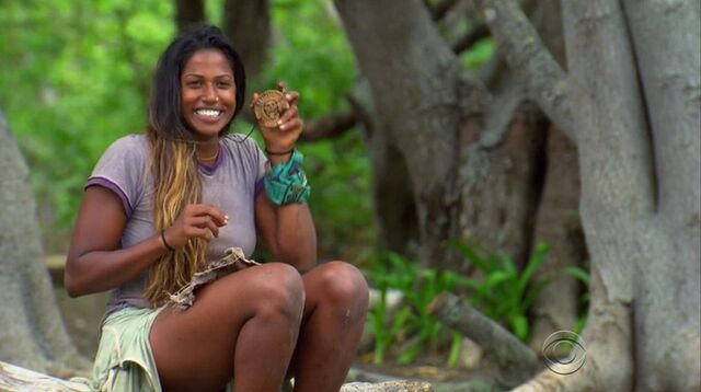 File:Natalie hidden immunity idol.jpg