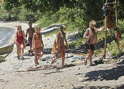Survivor-Blood-vs.-Water-Season-27-Episode-6-One-Man-Wrecking-Ball